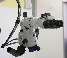 歯科手術用マイクロスコープ